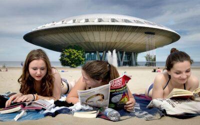 Strand bij Evoluon Eindhoven