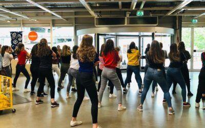 Flashmob Huwelijksaanzoek in de Ikea te Eindhoven